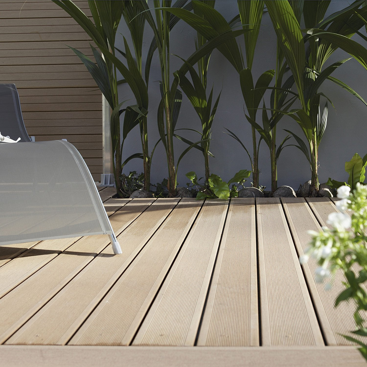 lames de terrasse en bois composite leroy merlin. Black Bedroom Furniture Sets. Home Design Ideas
