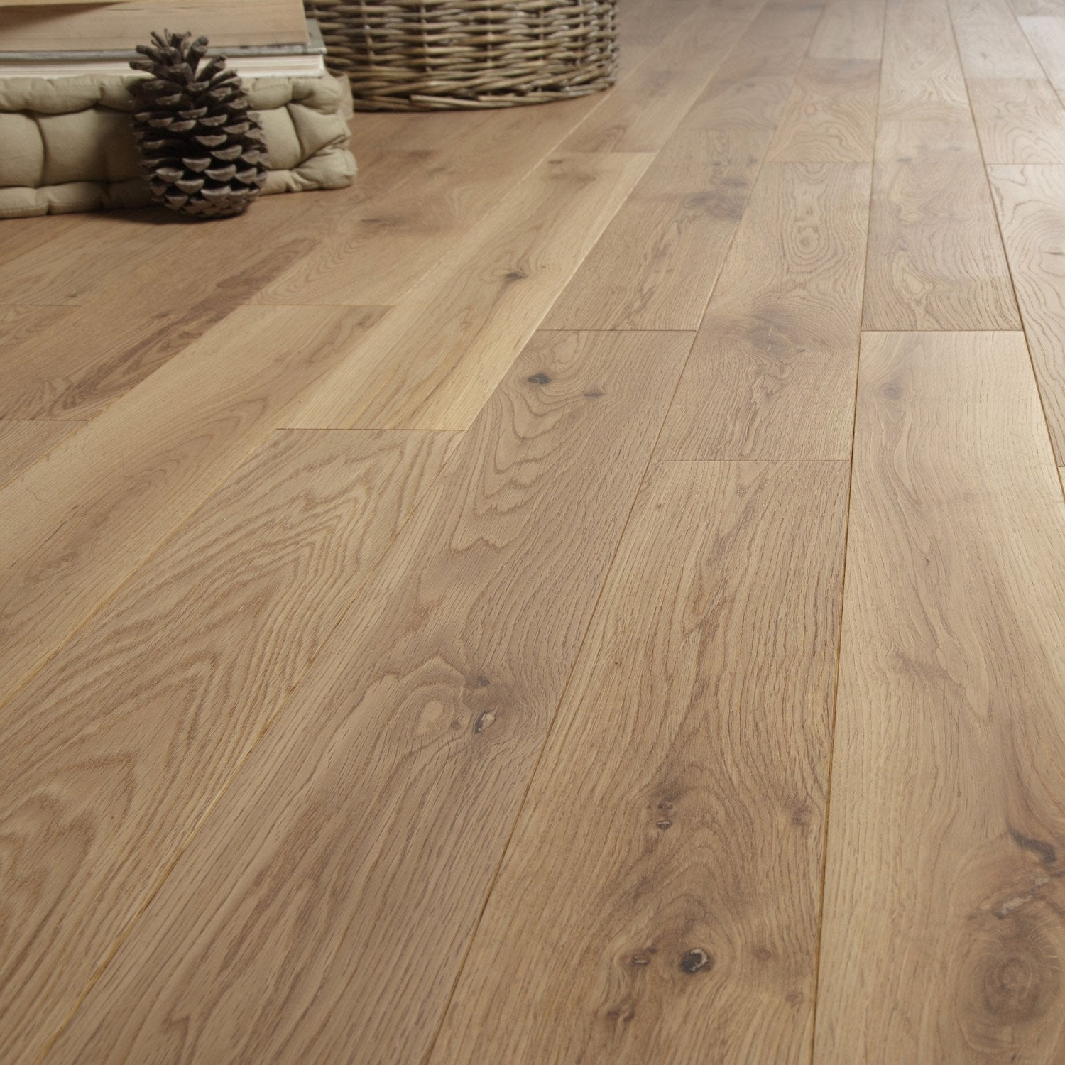 Parquet massif ch ne naturel vitrifi s artens solidclic for Comment poser du quick step