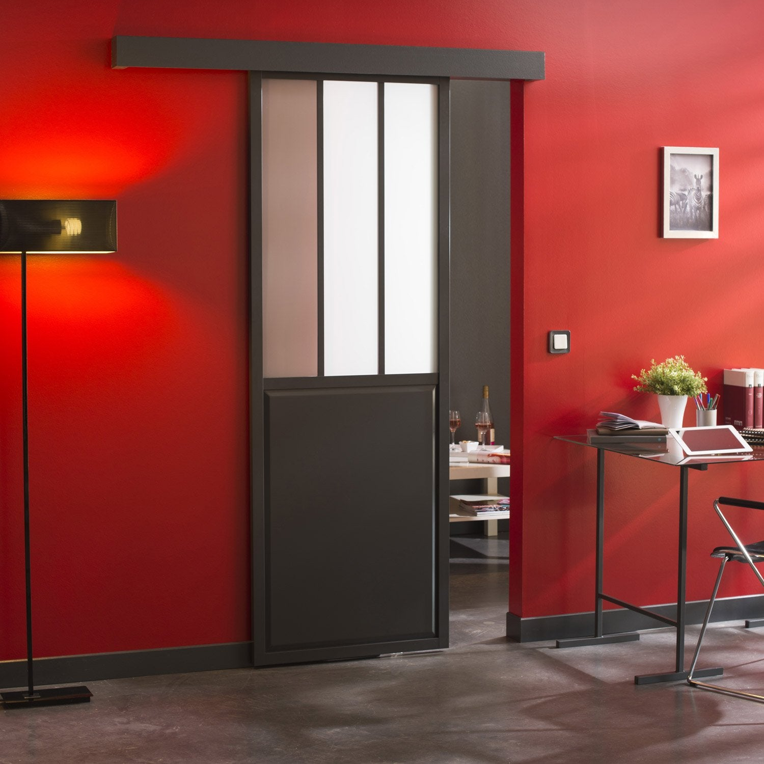 Ensemble porte coulissante atelier verre clair mdf rev tu for Porte cellier