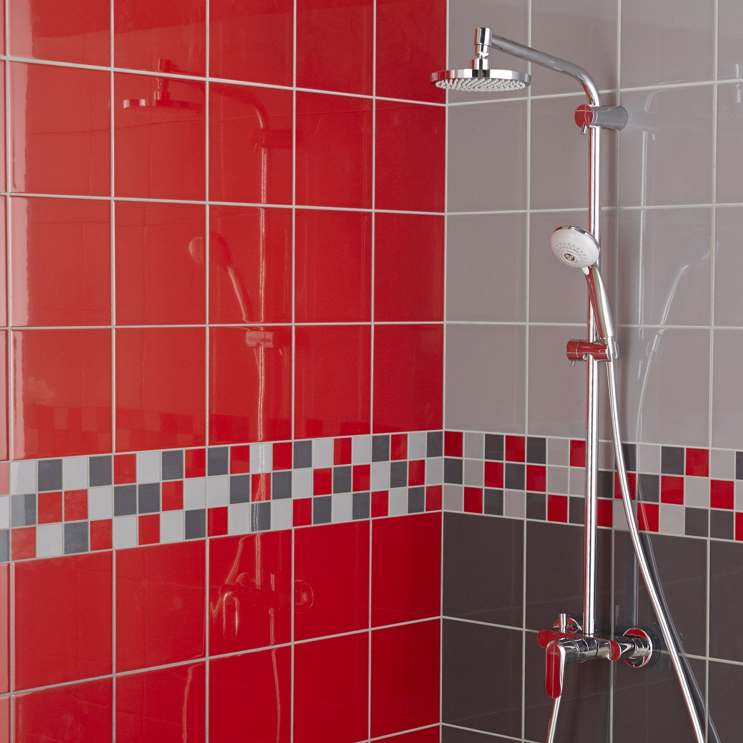 Fa ence mur rouge rouge astuce x cm leroy merlin for Salle de bain moderne rouge