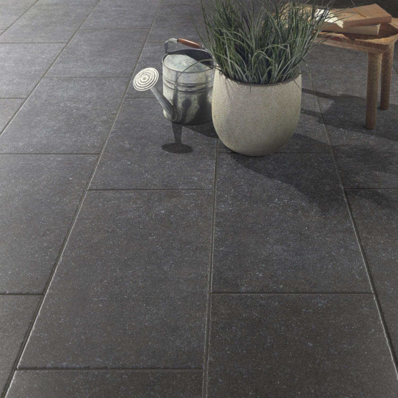 Carrelage noir effet pierre bruges x cm for Pose escalier leroy merlin