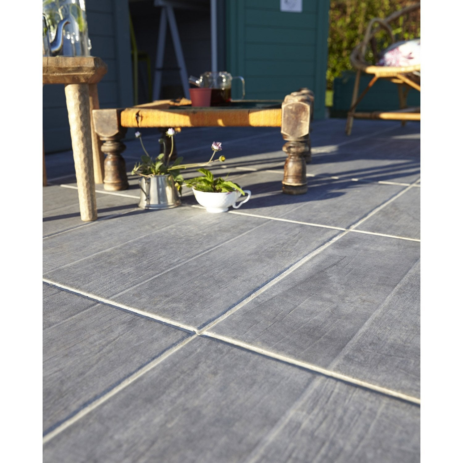 Carrelage anthracite effet bois river x cm for Leroy merlin carrelage terrasse