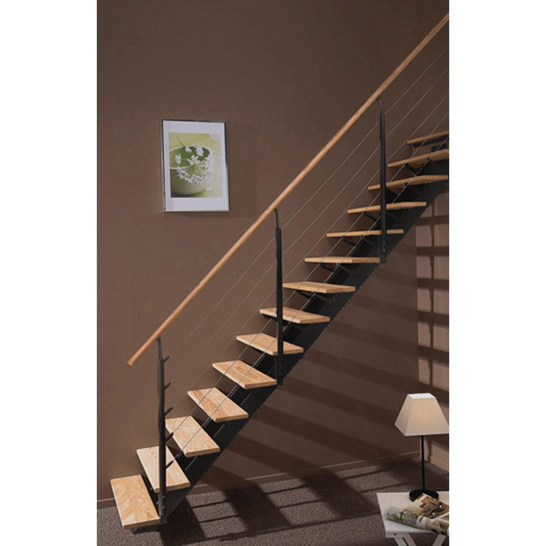 Escalier droit escatwin structure aluminium marche bois for Escalier gain de place quart tournant