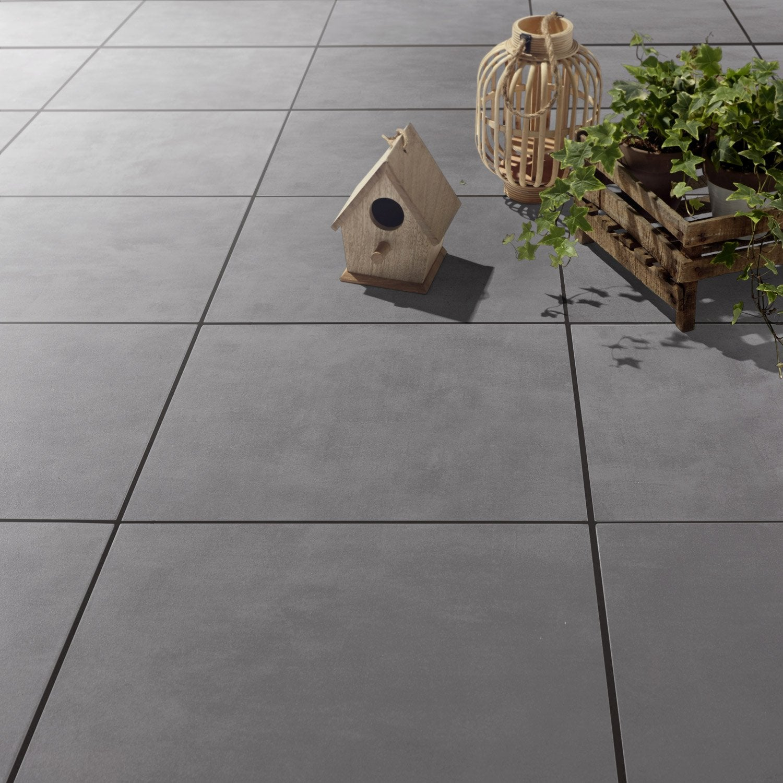 Carrelage gris poivr effet b ton kiosque x cm leroy merlin - Beton decoratif exterieur leroy merlin ...