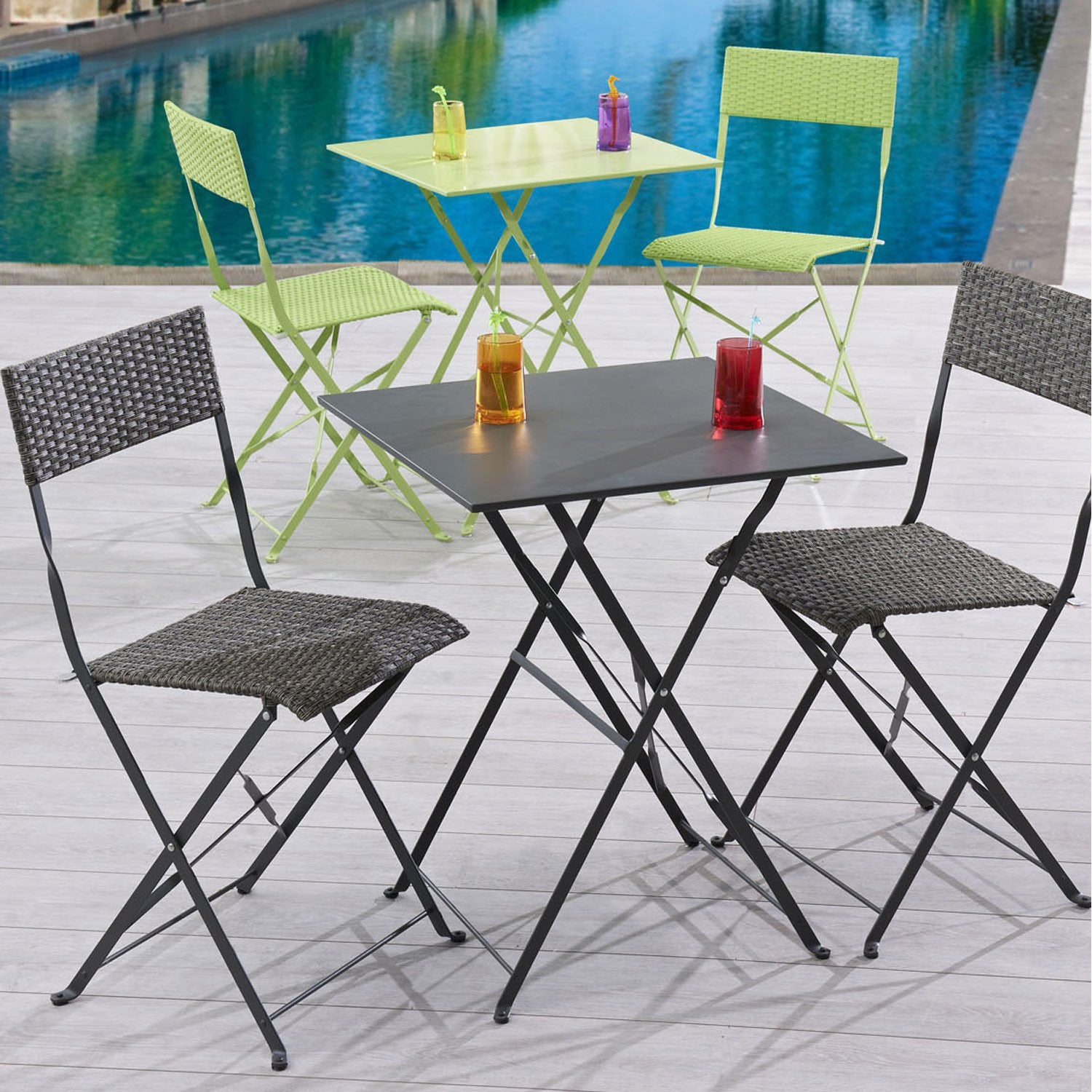 salon de jardin mezzo acier gris 1 table gueridon 2 chaises leroy merlin. Black Bedroom Furniture Sets. Home Design Ideas