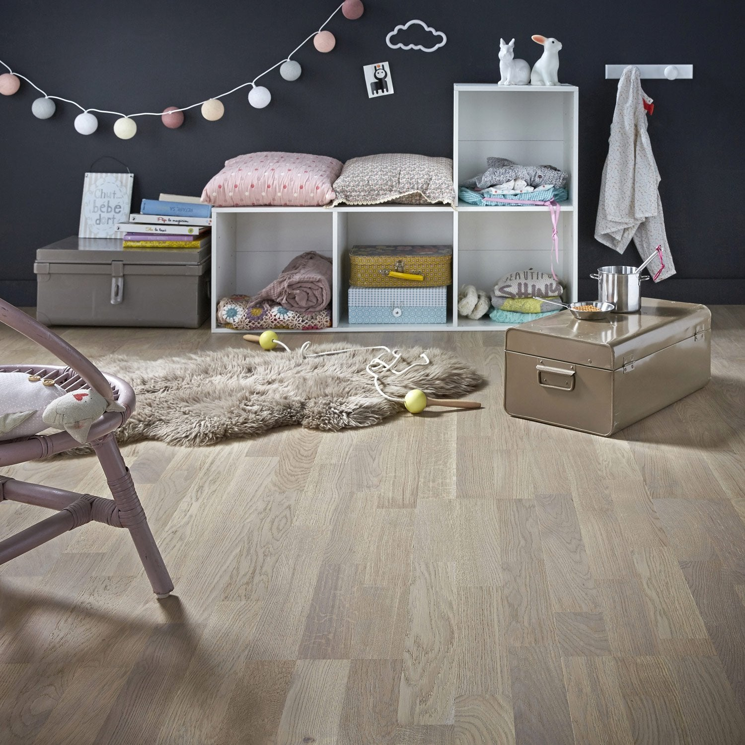parquet flottant gris avec leroy merlin brico depot. Black Bedroom Furniture Sets. Home Design Ideas
