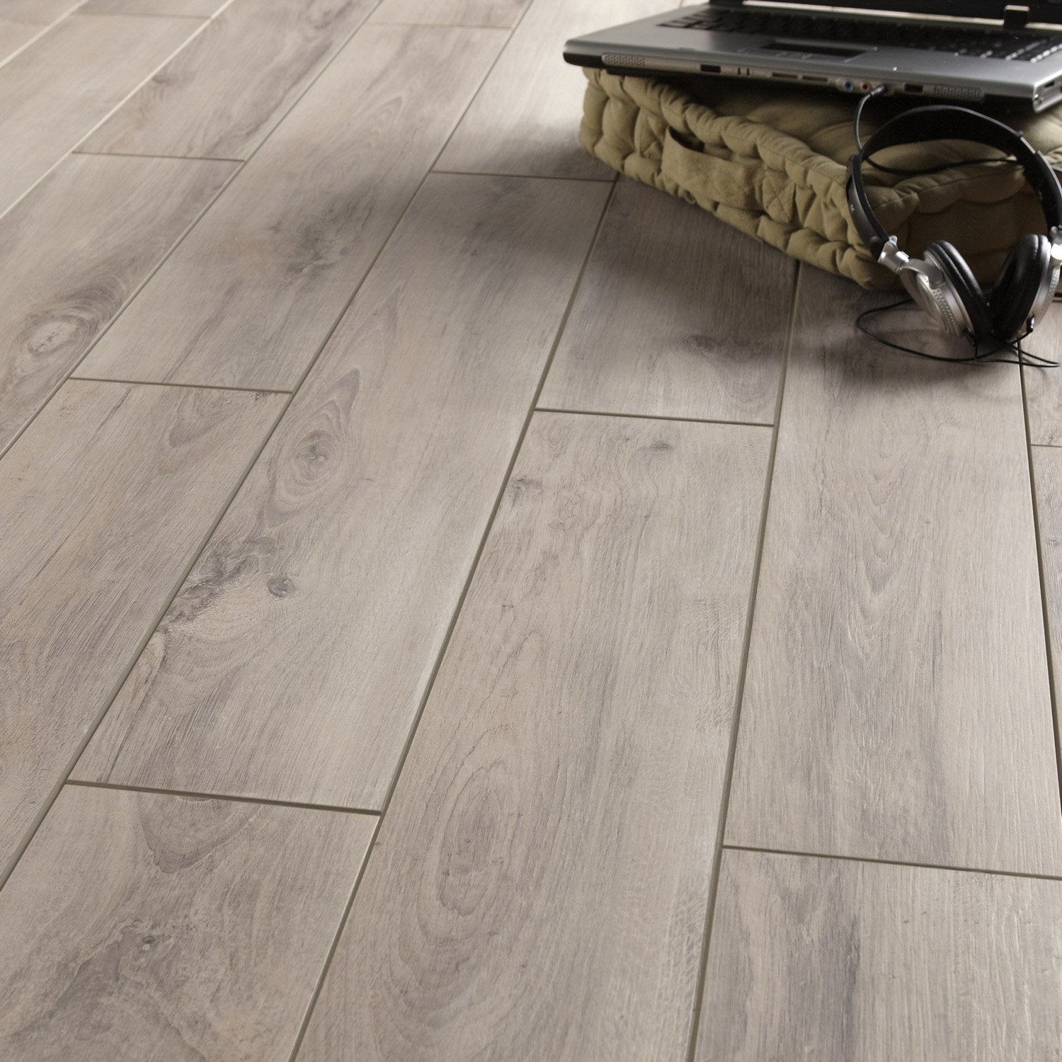 carrelage imitation parquet gris clair On carrelage parquet gris