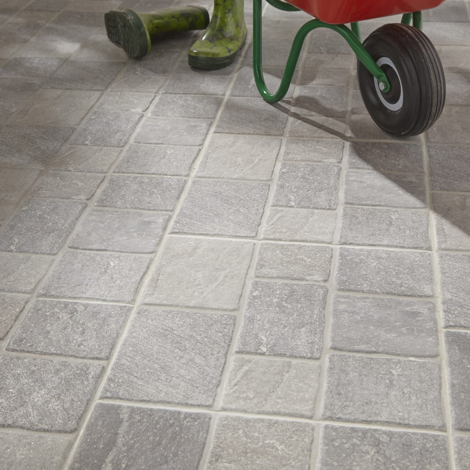 Carrelage sol gris effet pierre sanpietrini x cm for Carrelage exterieur travertin