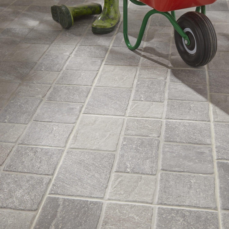 Carrelage sol gris effet pierre sanpietrini x cm leroy merlin for Carrelage exterieur imitation bois leroy merlin