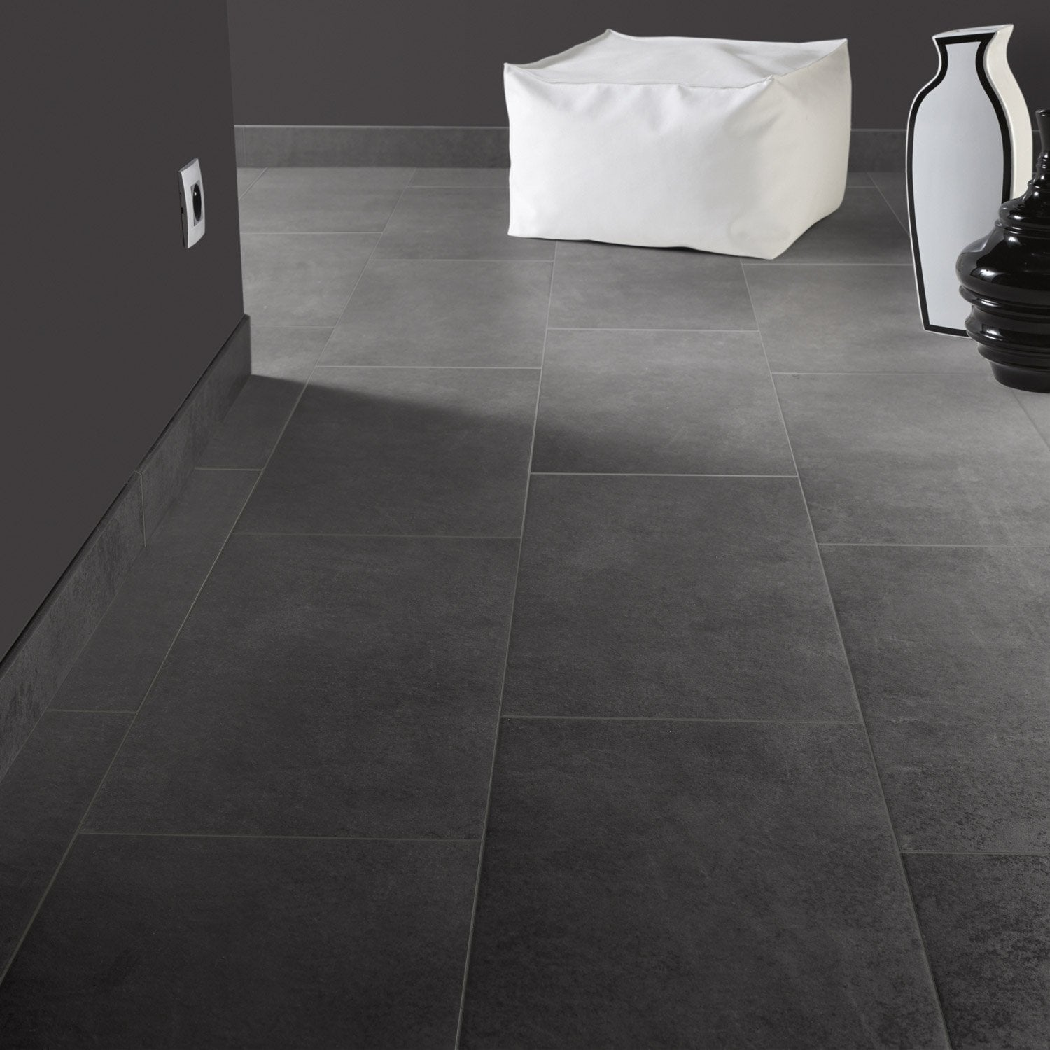 Carrelage sol et mur anthracite effet b ton lune x l for Carrelage smart tiles leroy merlin