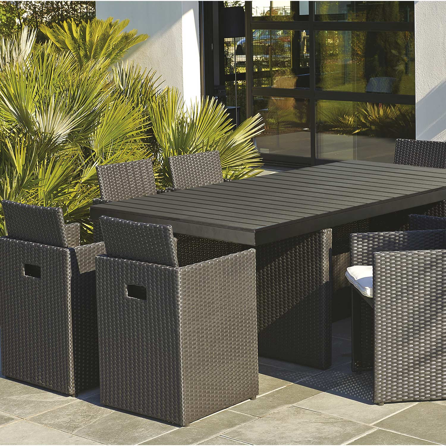 salon de jardin encastrable r sine tress e noir 1 table 8 fauteuils leroy merlin. Black Bedroom Furniture Sets. Home Design Ideas