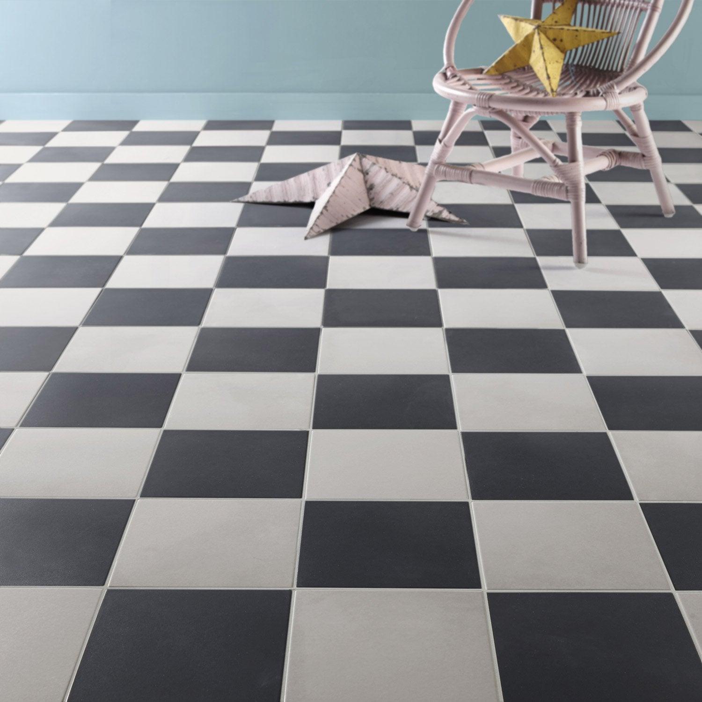 Carrelage sol et mur noir effet ciment gatsby x for Pose escalier leroy merlin