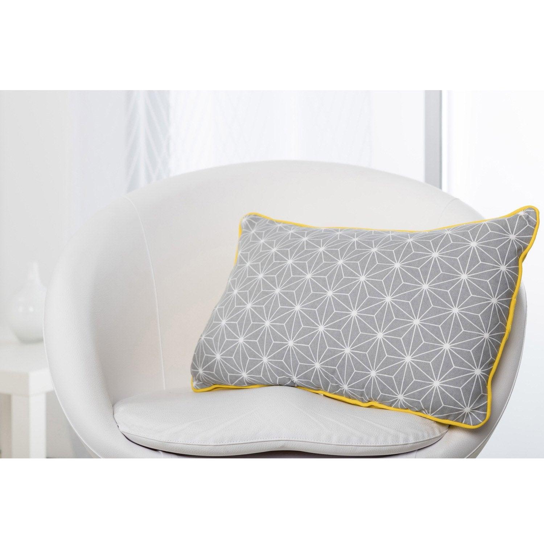 coussin flocon jaune et gris x cm leroy merlin. Black Bedroom Furniture Sets. Home Design Ideas