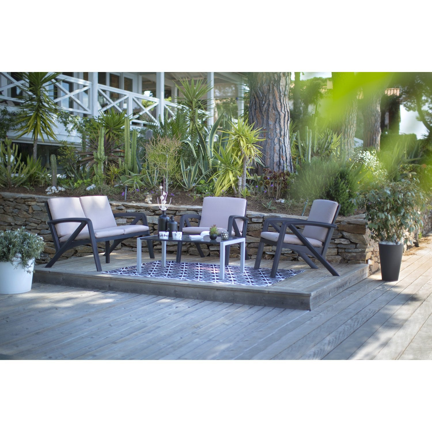 salon bas de jardin sunday r sine plastique table. Black Bedroom Furniture Sets. Home Design Ideas