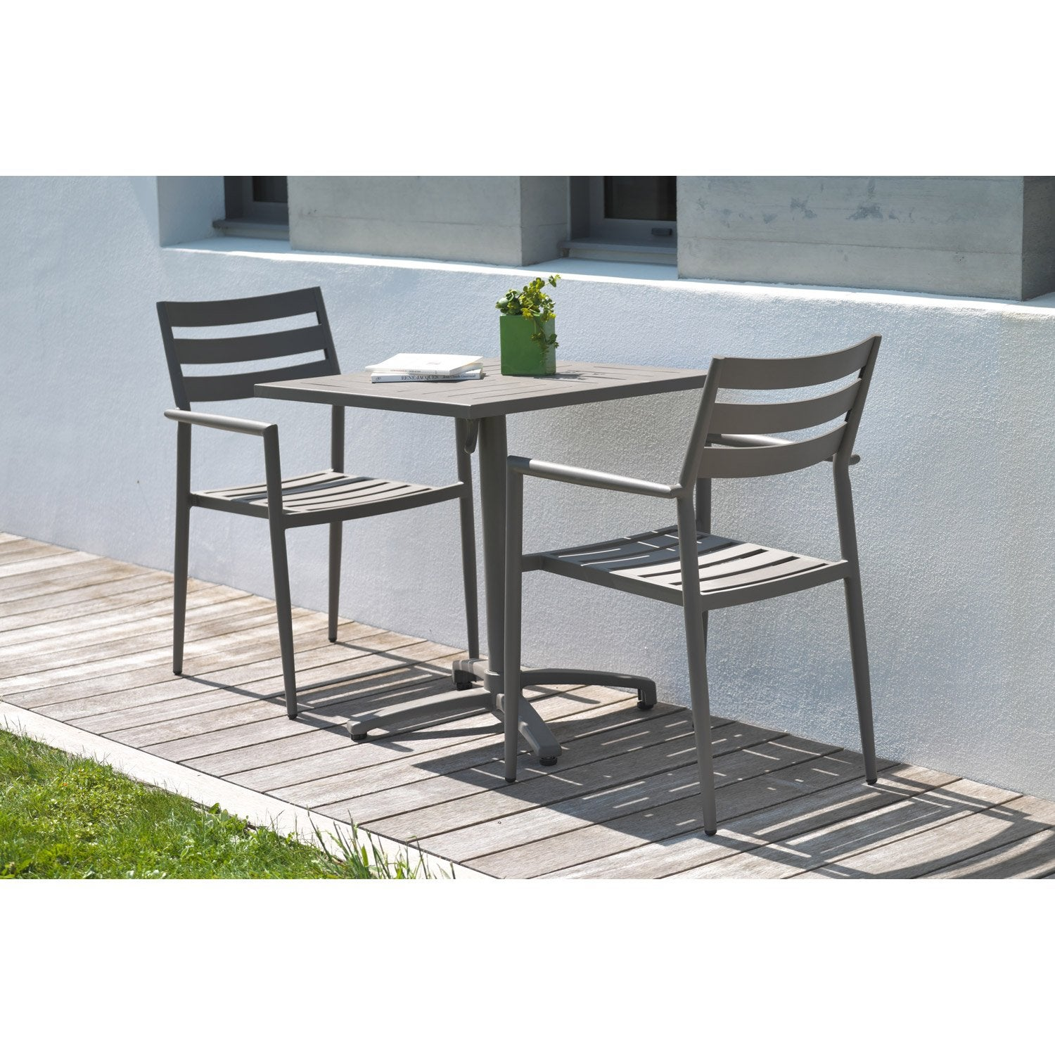 Etonnant table jardin 2 personnes 5 leroy merlin for Table exterieur 2 personnes