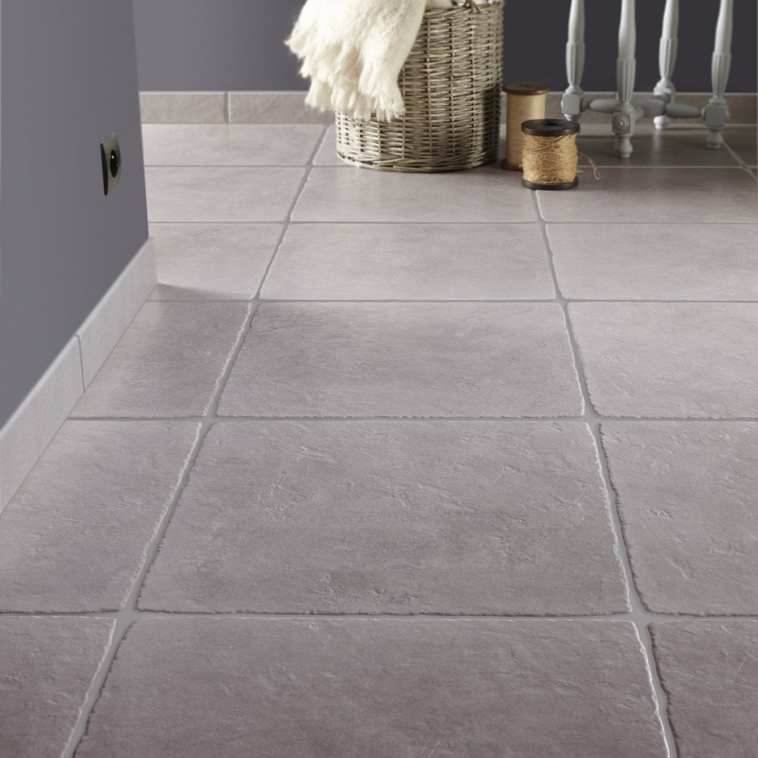 Carrelage sol et mur gris effet pierre toscane x for Carrelage hexagonal leroy merlin