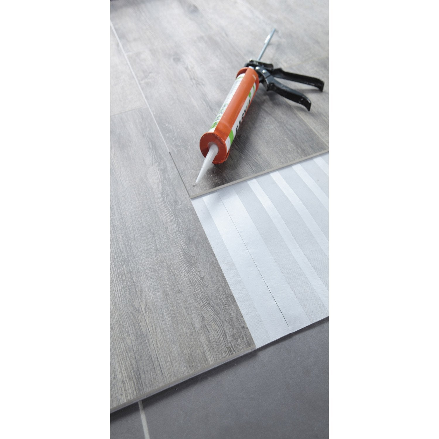 Carrelage sol et mur p can effet b ton easy4 sans colle for Sol vinyle sans colle