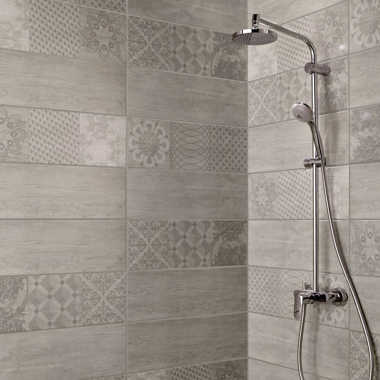 Fa ence mur gris sequoia x cm leroy merlin for Faience petit carreaux salle de bain