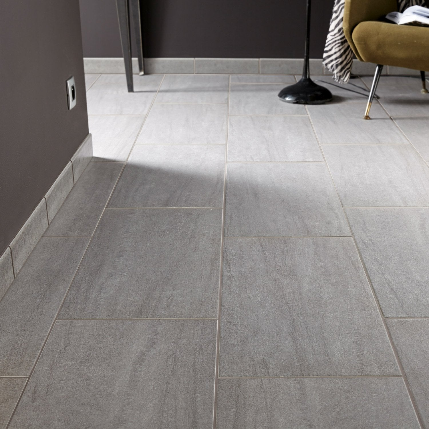 Carrelage sol et mur gris effet pierre trevise x for Carrelage clipsable leroy merlin