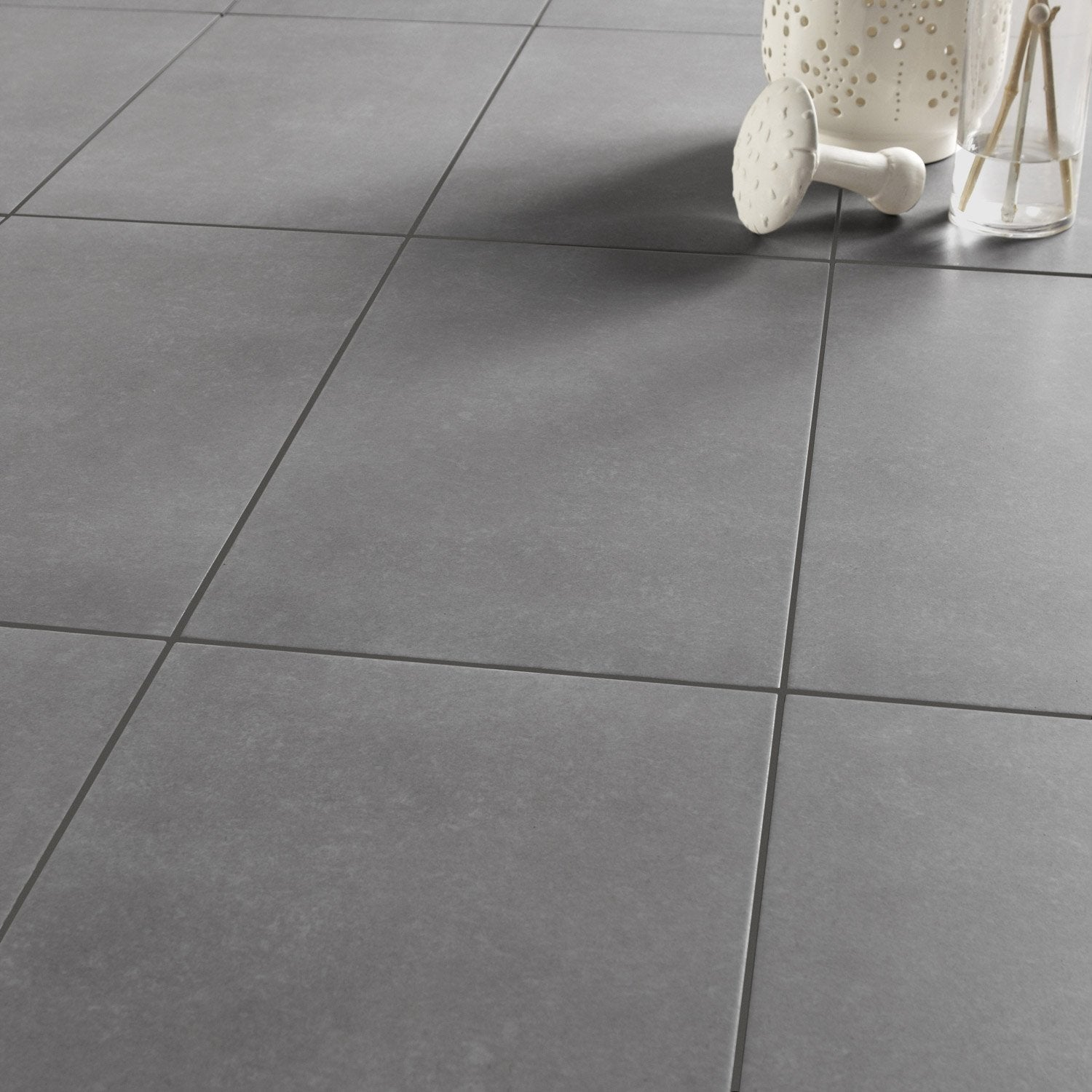 Carrelage sol et mur anthracite effet b ton jet x l for Carrelage clipsable leroy merlin
