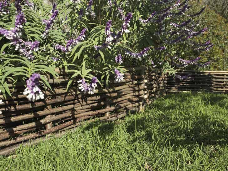 Bordure de jardin en bois mr bricolage for Bordures de jardin leroy merlin