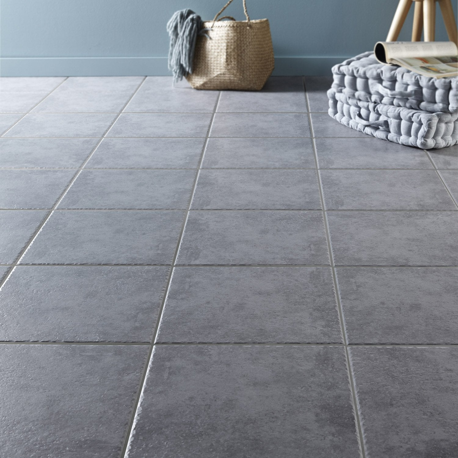 Carrelage sol gris souris effet pierre michigan x l for Carrelage gris leroy merlin