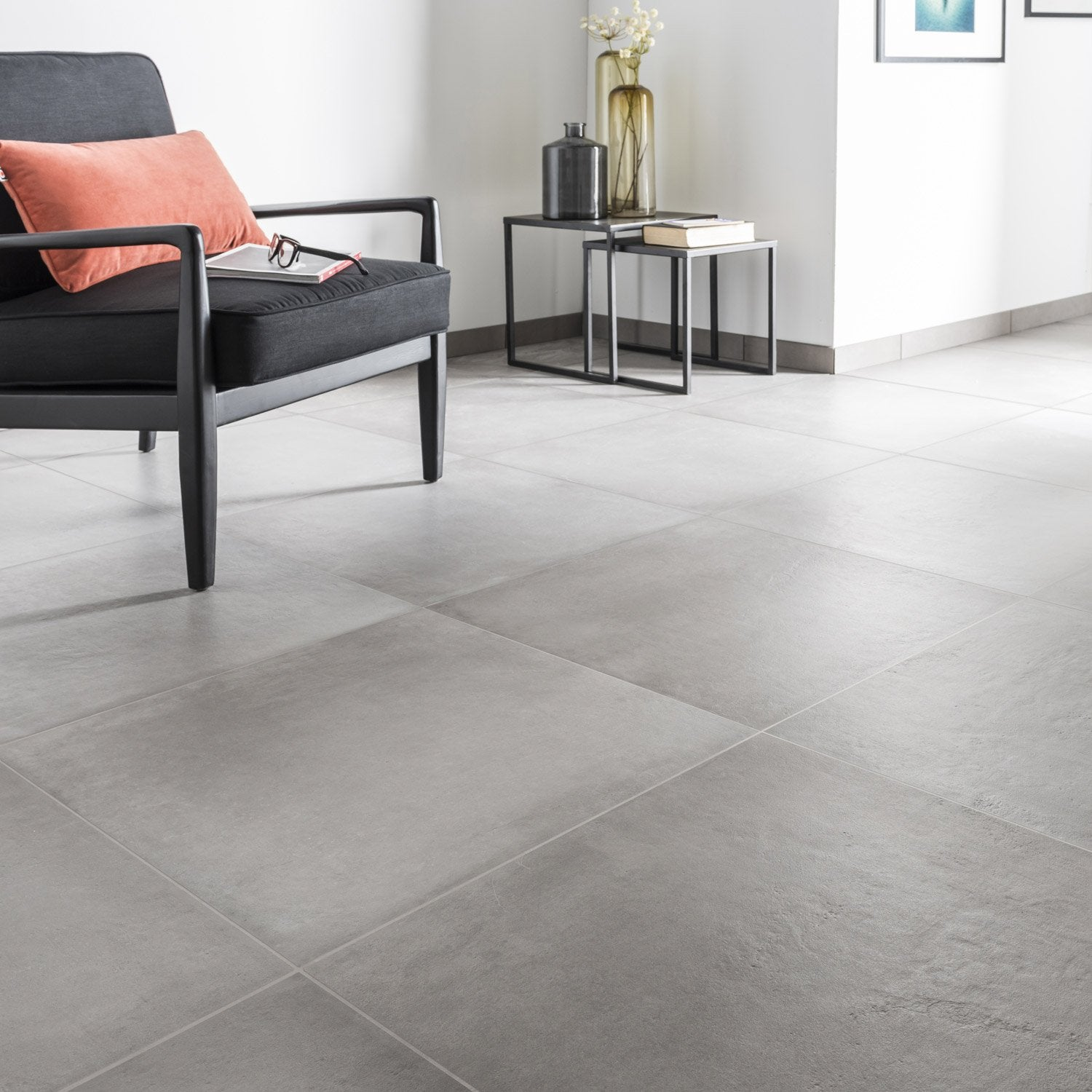 Carrelage sol et mur gris ciment effet b ton time x l for Carrelage grand carreaux gris