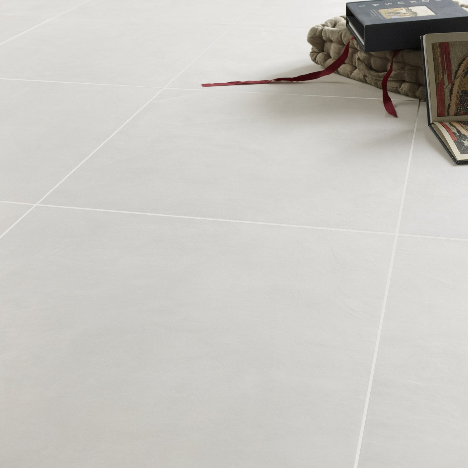 Carrelage 60x60 blanc for Carrelage sol interieur gris clair