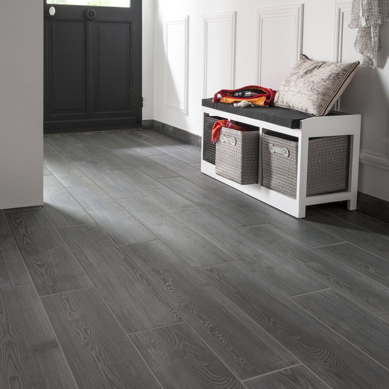 Carrelage imitation parquet gris anthracite photos de for Carrelage gris anthracite