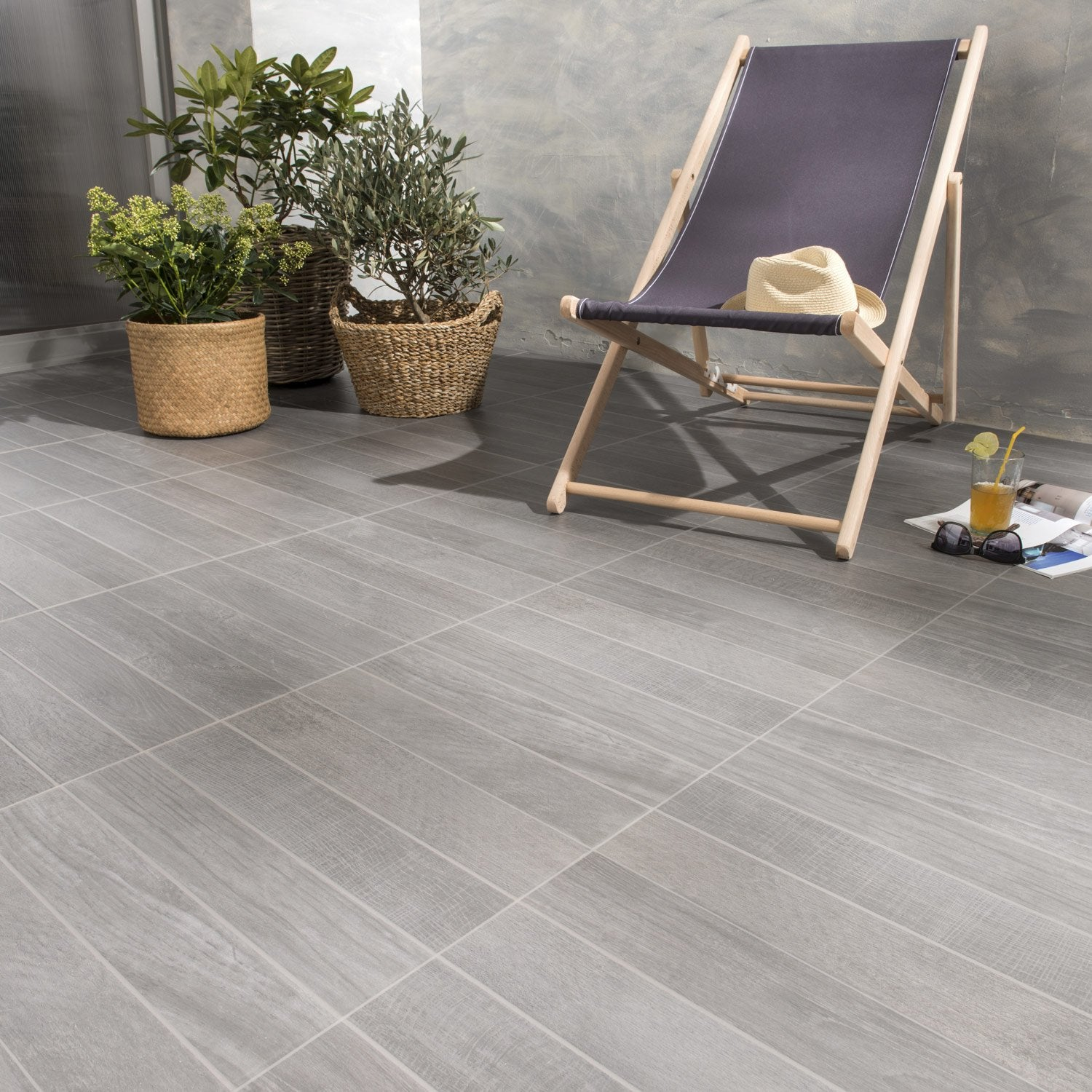 carrelage anthracite effet bois jungle x cm