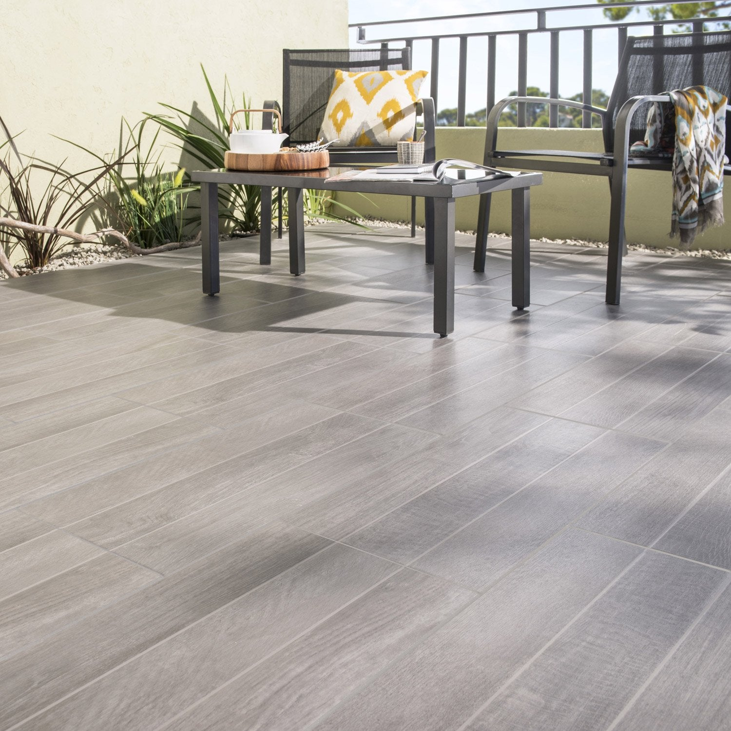 Carrelage sol anthracite effet bois jungle x cm leroy merlin - Carrelage terrasse leroy merlin ...