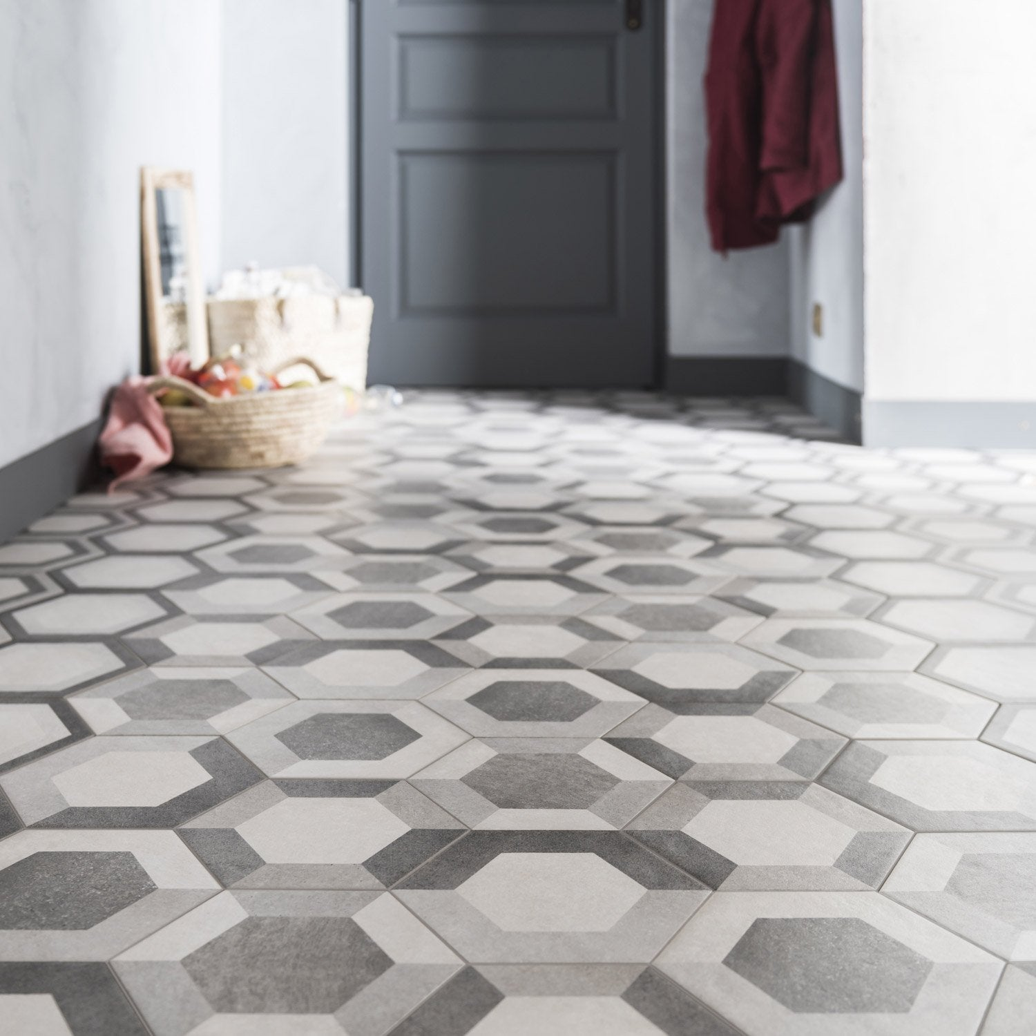 Carrelage sol et mur gris blanc effet b ton time x for Carrelage hexagonal leroy merlin