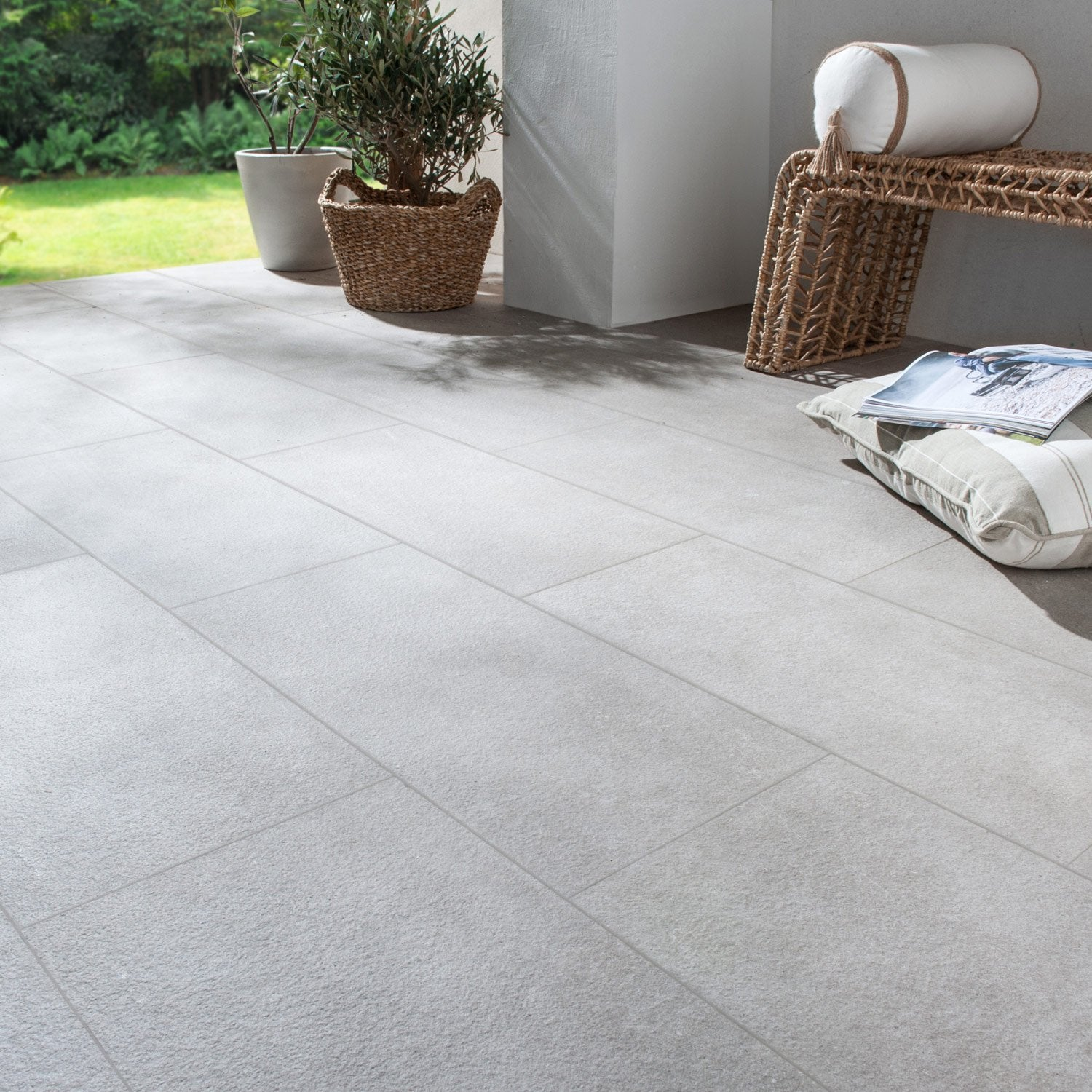 Carrelage sol sable effet pierre ypres x cm for Carrelage ypres