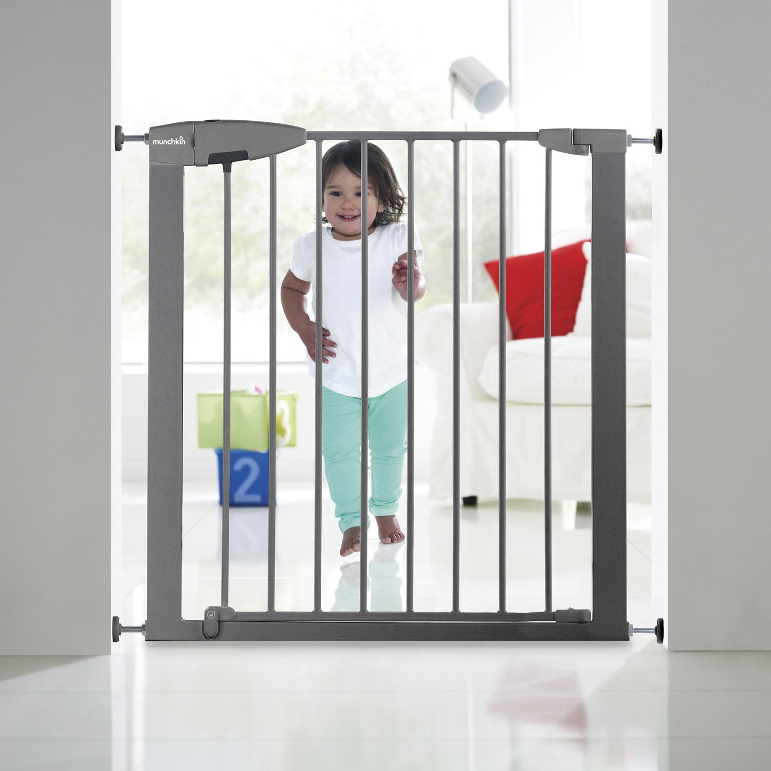 Barri re de s curit enfant munchkin portillon semi auto for Barriere de securite pour escalier helicoidale