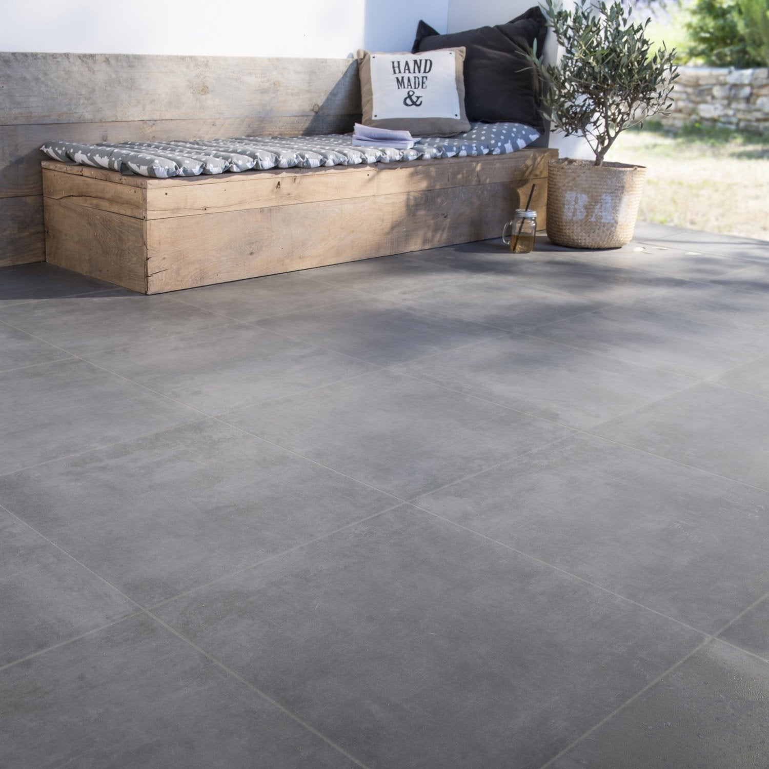 Carrelage sol anthracite effet b ton bristol x for Ciment cire carrelage