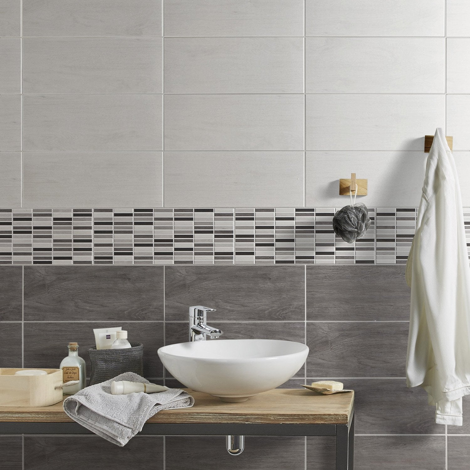 Fa ence mur blanc cottage x cm leroy merlin for Carrelage wc gris
