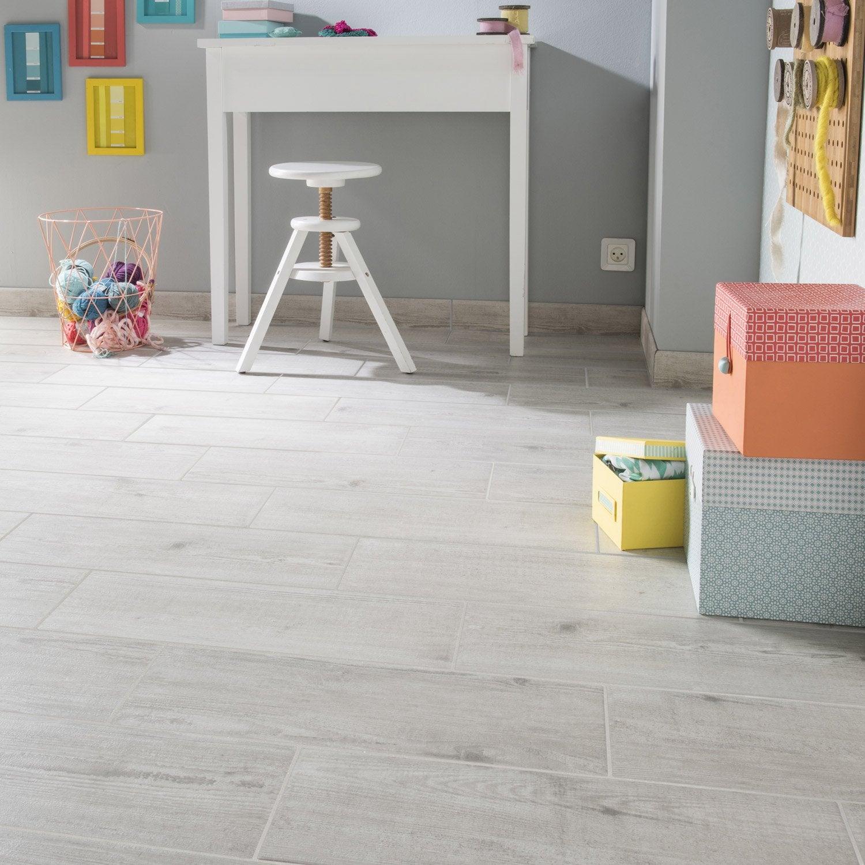 Carrelage sol et mur cendre effet bois bayur x cm leroy merlin - Carrelage salon leroy merlin ...