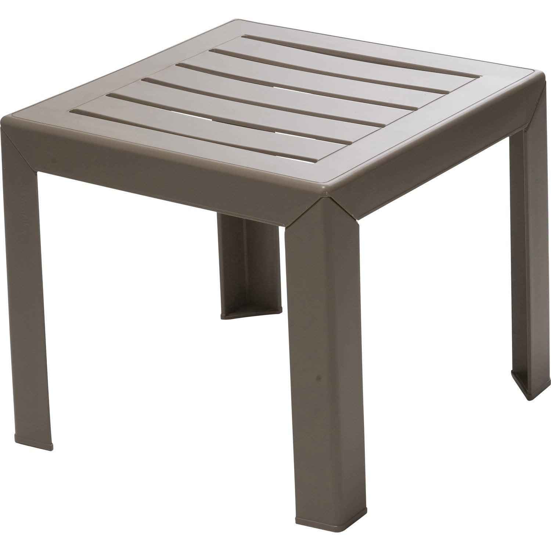 petite table basse carree ukbix. Black Bedroom Furniture Sets. Home Design Ideas