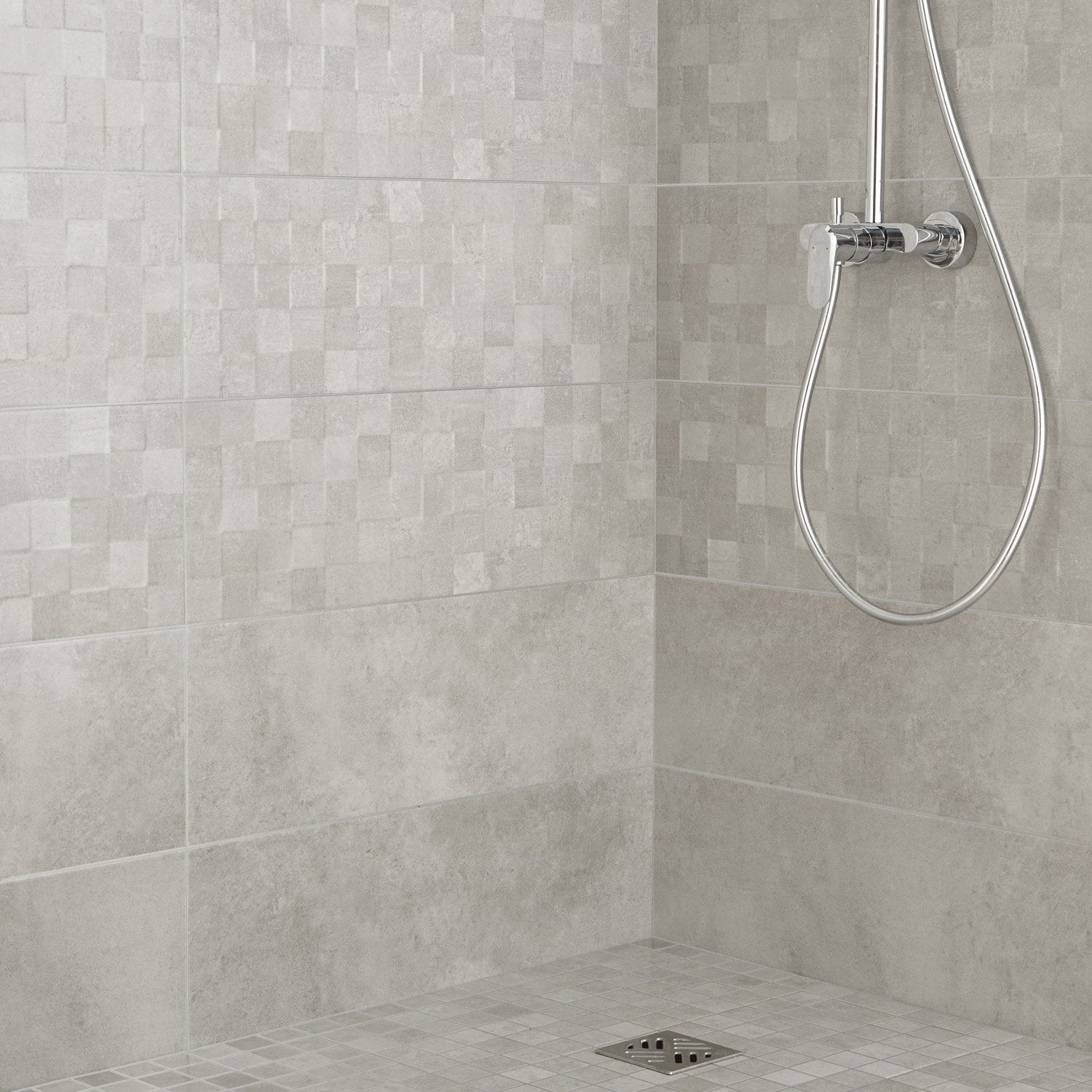 Fa ence mur gris clair vision x cm leroy merlin for Carrelage grand carreau salle de bain