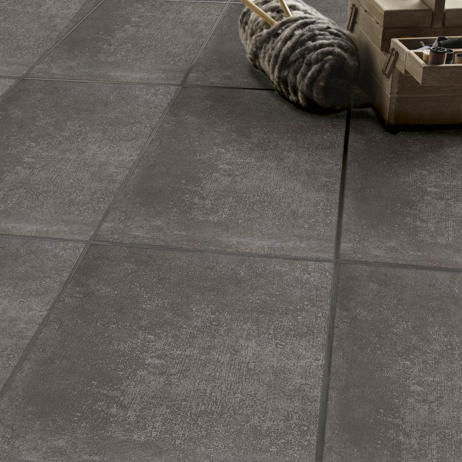 Carrelage gris clair ou gris anthracite on aime les deux for Carrelage gris anthracite