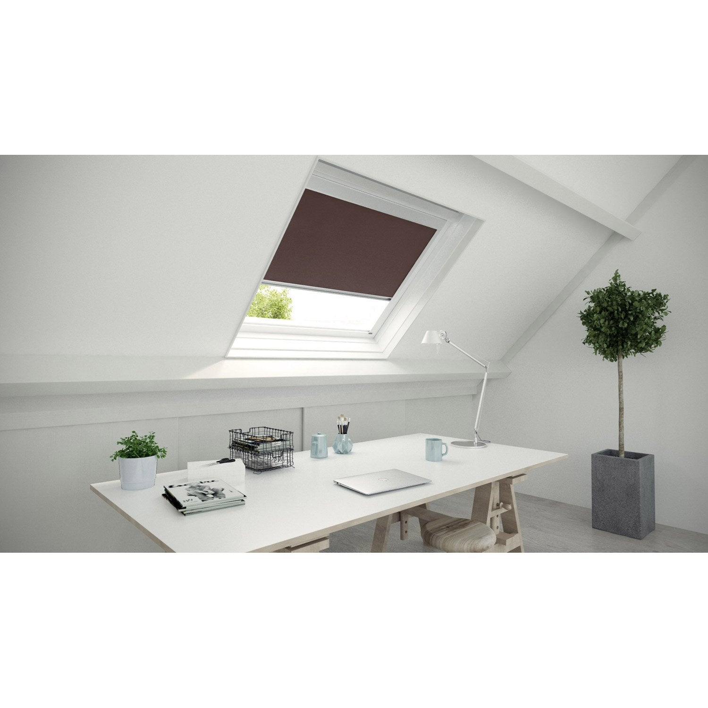 Store fen tre de toit occultant brun chocolat n 1 artens for Pose fenetre de toit leroy merlin