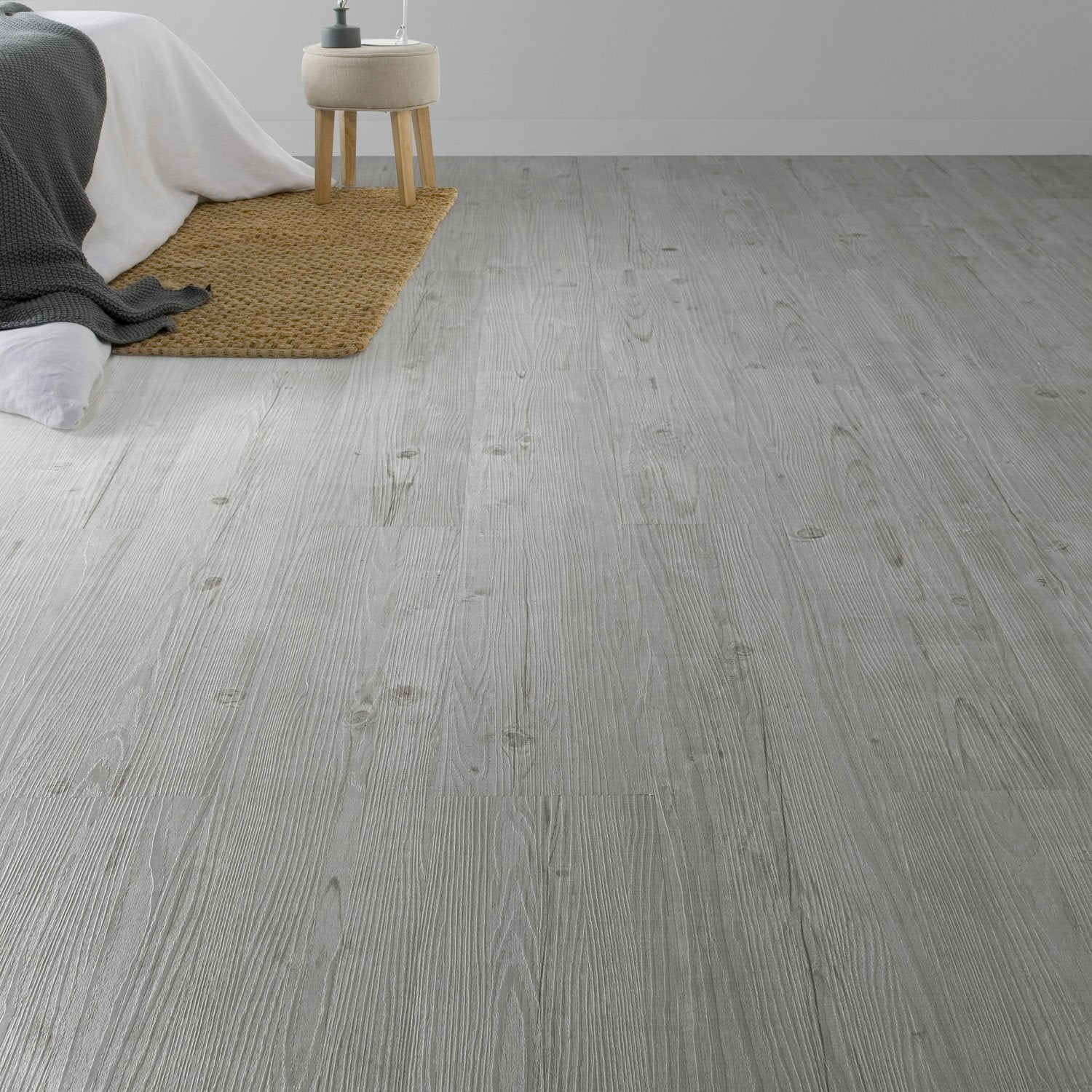 Lame pvc adh sive gris grey aero soft styling leroy merlin for Pose dalle pvc adhesive sur carrelage