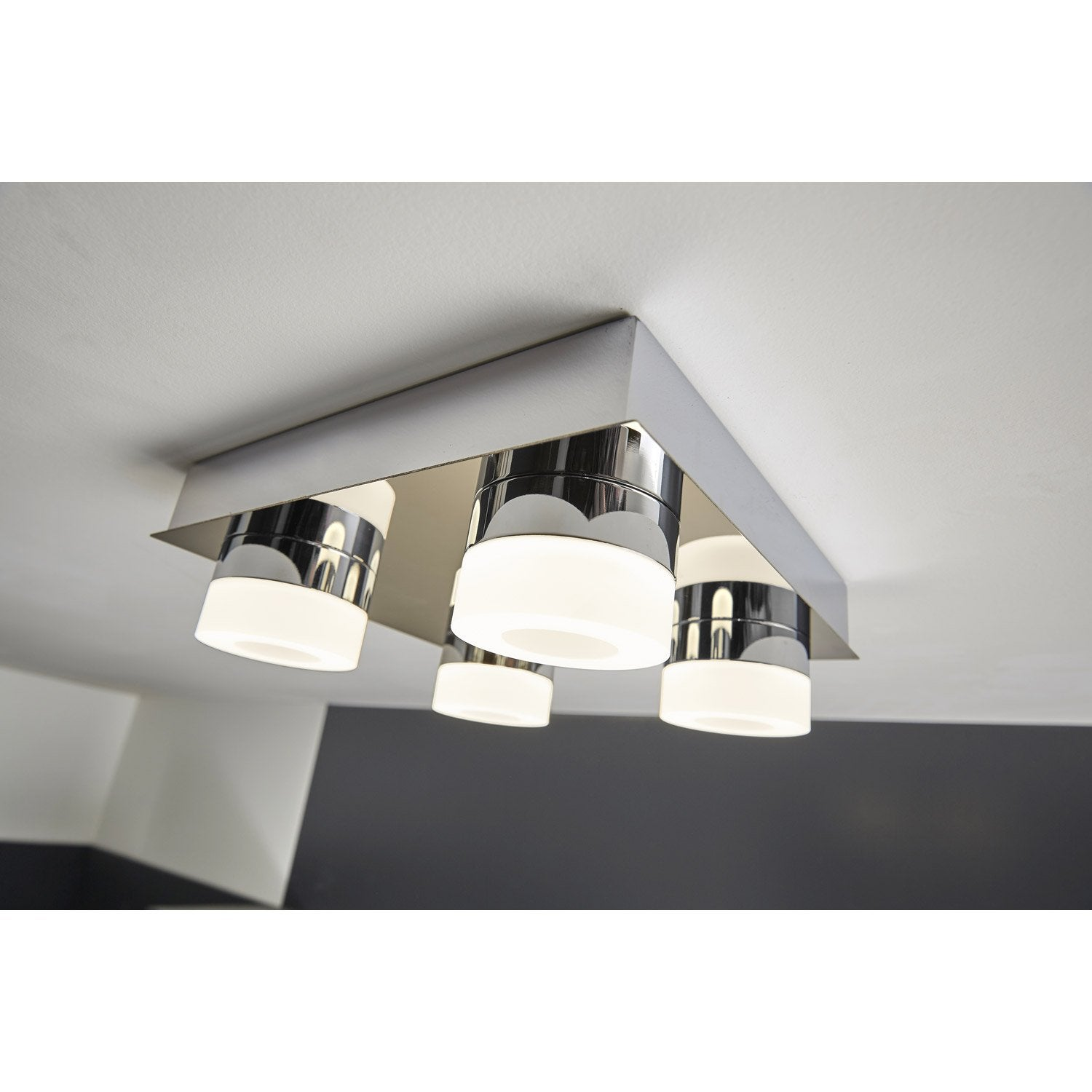 Plafonnier icaria led 4 x 3 5 w led int gr e blanc froid for Plafonnier pour salle a manger