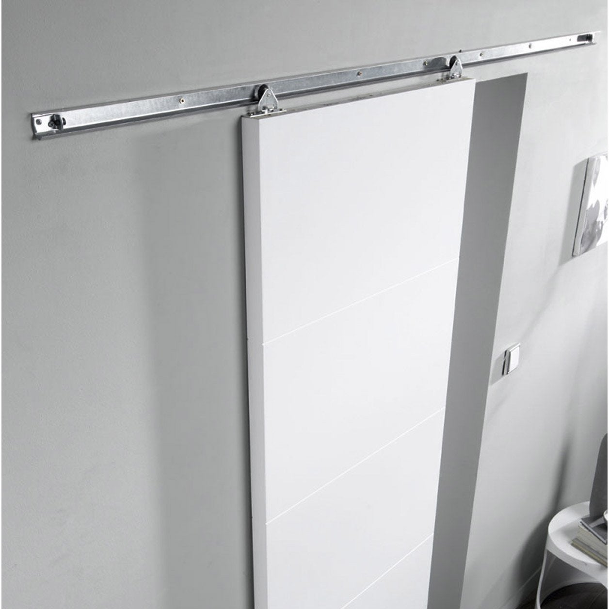 Rail coulissant salsa pour porte de largeur 93 cm maximum for Raille de porte coulissante