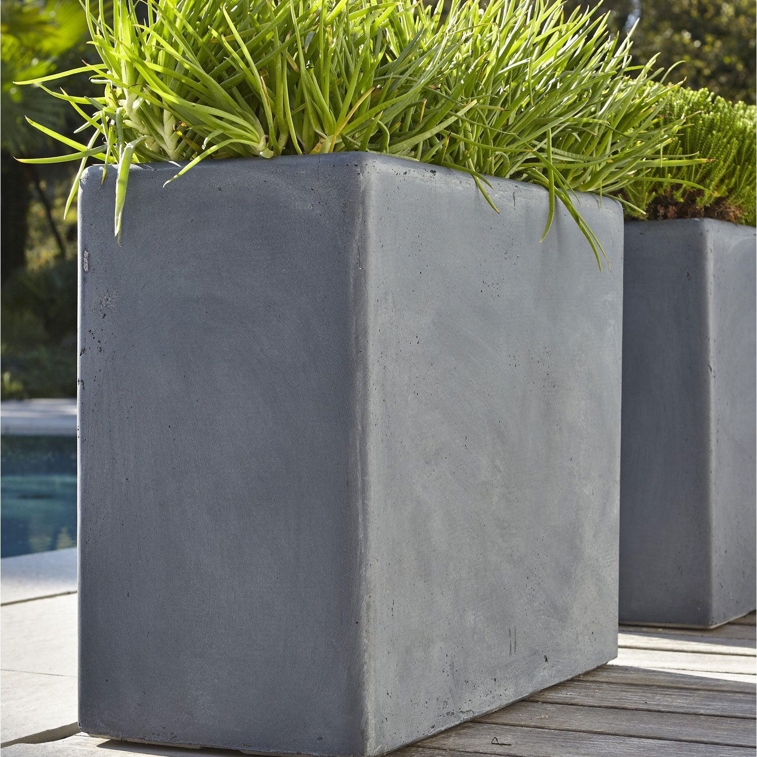 Jardini re fibre x x cm gris leroy merlin for Table haute 50x50