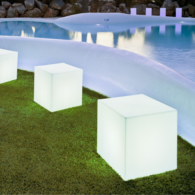 Cube d coratif ext rieur cuby 32 cm e27 25 w 880 lm blanc newgarden lero - Beton decoratif exterieur leroy merlin ...
