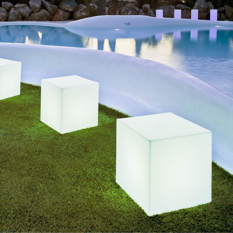 Cube d coratif ext rieur cuby 32 cm e27 25 w 880 lm blanc newgarden leroy merlin for Pots lumineux leroy merlin